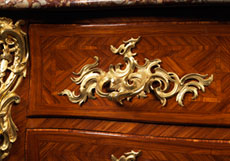 Detailabbildung: Bedeutende und höchst elegante Louis XV-Kommode von Germain Landrin