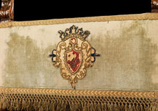 Detail images: Renaissance-Armlehnsessel