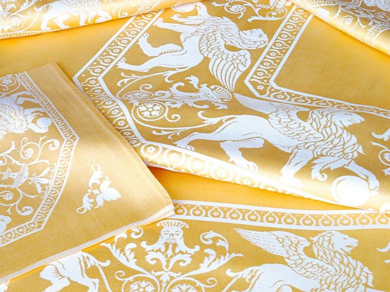 Tafelgarnitur mit venezianischen Löwen