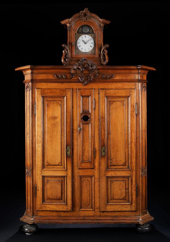 Seltener Limburger Uhren-Kabinettschrank