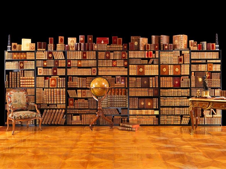 Prunkvolle Bibliothek mit 1067 Büchern des 18. Jahrhunderts