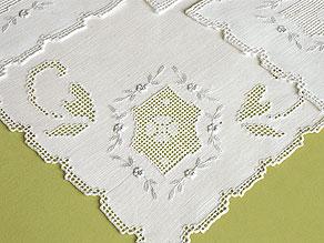 Detail images:  Zwölf handgearbeitete Teeservietten