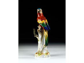 Detail images:  Meissener Porzellanfigur eines Papagei