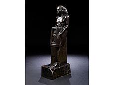 Detail images: Bronzefigur eines ägyptischen Beamten