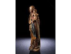 Detailabbildung: Qualitätvolle gotische Schnitzfigur einer stehenden Madonna mit dem Jesuskind
