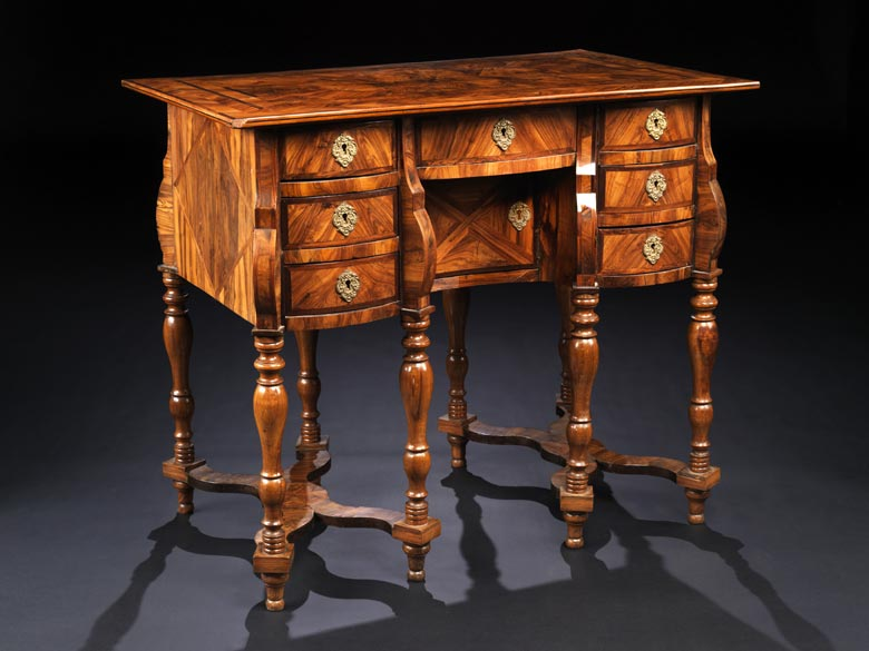 Kleiner Schreibtisch Bureau Mazarin Auction