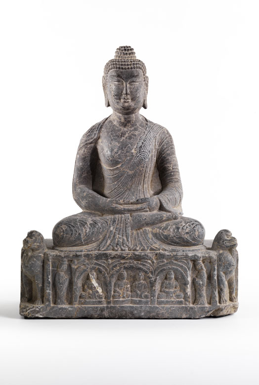 Sitzende Buddhafigur in Stein