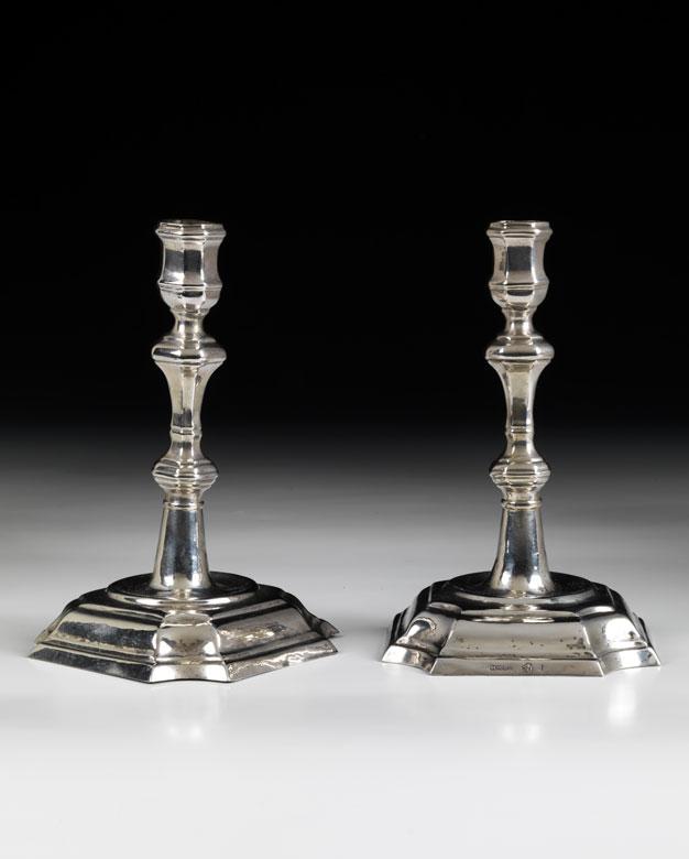 Paar silberne Tischleuchter