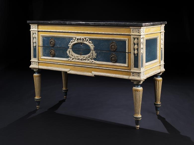 Kommode im Louis XVI-Stil
