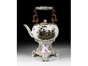 Detail images:  Großer Porzellan-Teekessel mit Rechaud
