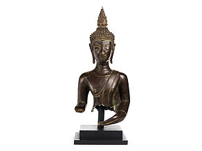 Detail images:  Bronzetorso einer Buddhafigur