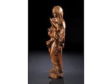 Detail images: Schnitzfigur einer Maria mit dem Kind