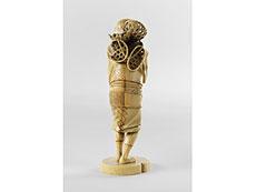 Detail images: Japanische Elfenbein-Schnitzfigur eines Mannes