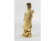 Detailabbildung: Japanische Elfenbein-Schnitzfigur