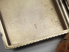 Detail images: Silbernes Zigarettenetui mit Streichhölzerfach und Reibefläche
