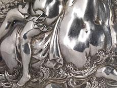 Detail images: Paar Reliefplaketten