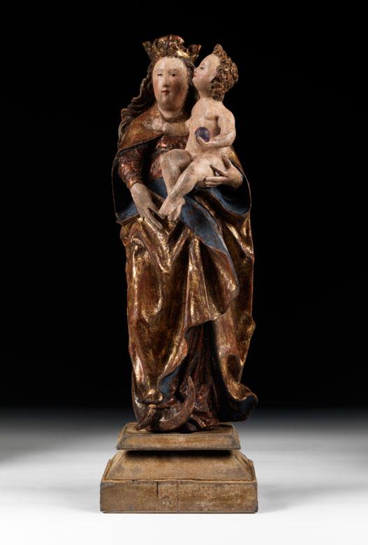 Standfigur einer Madonna mit Kind
