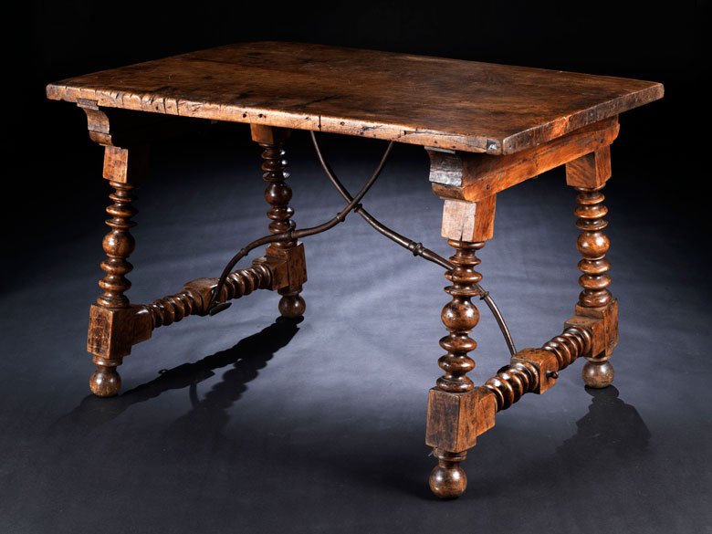 Renaissance-Tisch