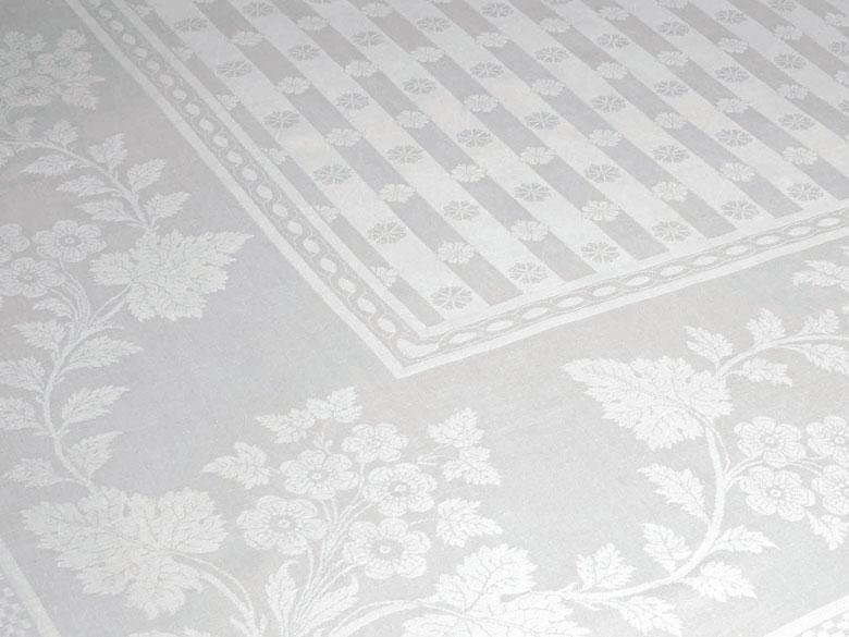 Handgewebtes Tafeltuch mit Blütenstreifen