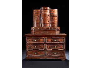 barock kommode mit tabernakelsekret r aufsatz hampel fine art auctions. Black Bedroom Furniture Sets. Home Design Ideas