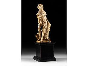 Detail images:  In Alabaster gearbeitete Figur eines Apollo