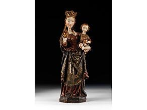 Detail images:  Schnitzfigur einer Madonna mit Kind
