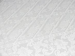 Detail images:  Handgewebtes barockes Banketttafeltuch aus der Zeit um 1750