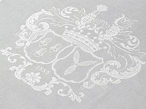 Detail images:  Paar Mundtücher mit den Wappen des Frhrn. v. Wendt und der Freiin v. Romberg aus dem Jahre 1885