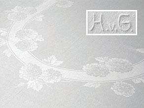 Detail images:  Tafeltuch mit einem Hortensienblütenoval