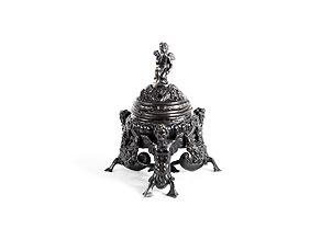 Detail images:  Venezianisches Tintenfass in Bronze