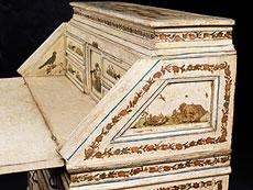 Detail images: Schreibkommode