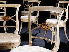 Detailabbildung: Satz von acht klassizistischen Stühlen