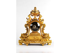 Detail images: Große Pendule in feuervergoldeter Bronze