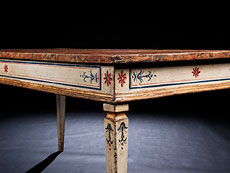 Detail images: Seltener, gefasster toskanischer Tisch des ausgehenden 18. Jahrhunderts