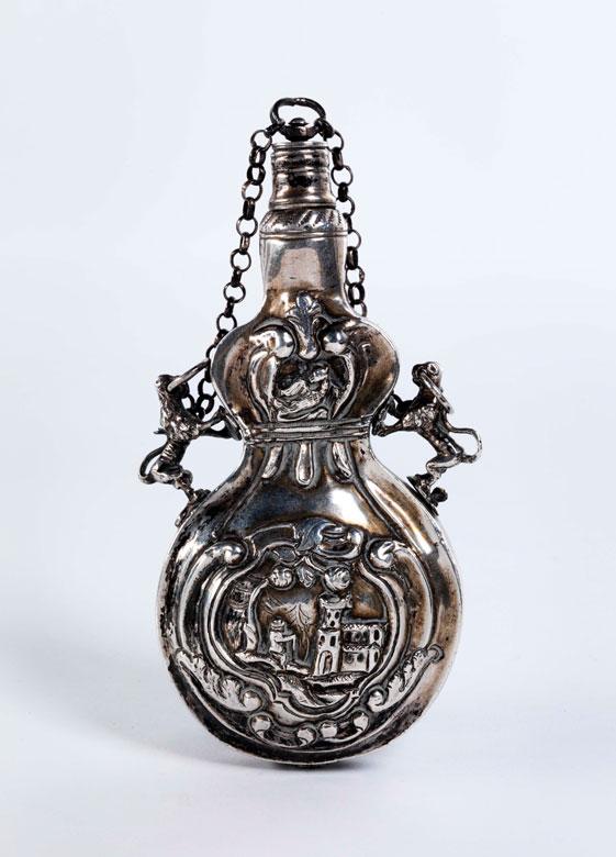 Pulverflasche in Silber