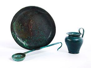 Detail images:  Drei etruskische Bronzeobjekte