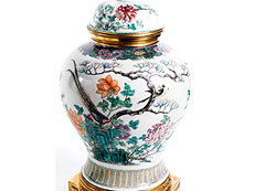 Detail images: Paar gefasste und gesockelte chinesische Porzellanvasen