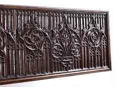 Detail images: Gotische Truhenfront