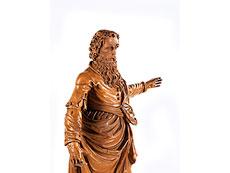 Detail images: Schnitzfigur eines Apostels