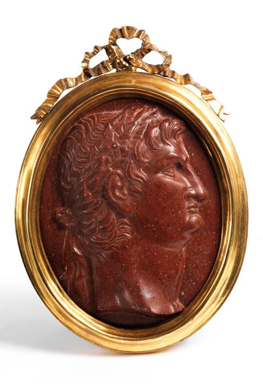 Ovale Reliefplakette mit Cäsarenbildnis