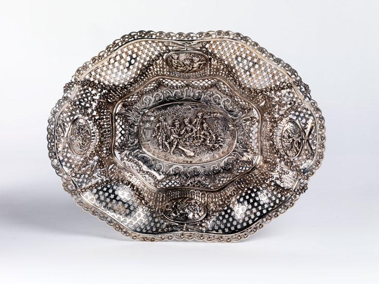 Silberkorb im Louis XVI-Stil