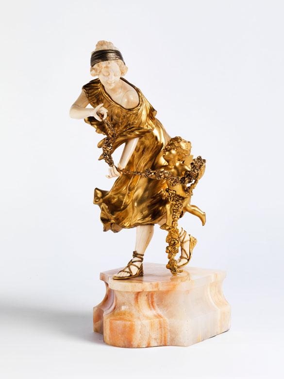 Figurengruppe in feuervergoldeter Bronze und Elfenbein