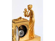 Detail images: Klassizistische Kaminuhr in Bronze und Feuervergoldung