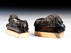 Detail images: Paar kleine Bronzelöwen