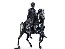 Detail images: Bronze-Reiterstandbild des Kaisers Marc Aurel (ehemals Konstantin) auf dem Kapitolsplatz in Rom