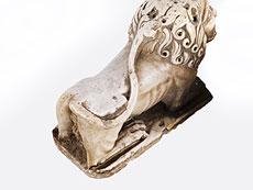 Detail images: Paar seltene italienische romanische Marmor-Portallöwen