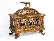 Detail images: Großer Schrein in feuervergoldeter Bronze mit Steinbesatz