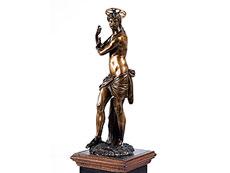 Detail images: Christusfigur in Bronze nach der Marmorfigur Michelangelos in der Kirche Santa Maria Sopra Minerva in Rom
