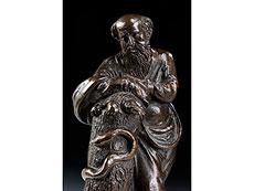 Detail images: Bronzefigur des Asklepios