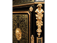 Detail images: Eleganter Salon-Halbschrank der Napoleon III-Periode